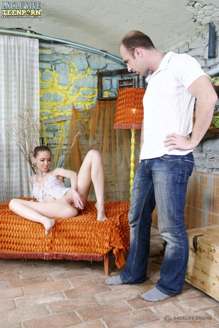 Развратная Блядь С Длинными Ногами Порно И Секс Фото С Красивыми Девушками