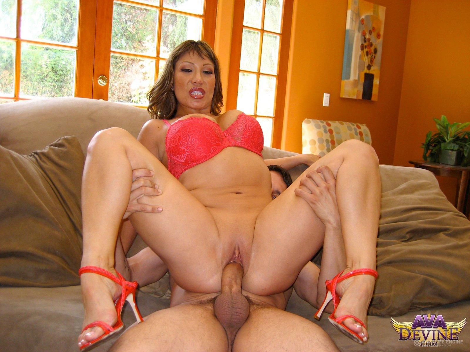 Супер секси мама для сына, Секс с мамой » Порно мамочки онлайн Full HD 2 фотография