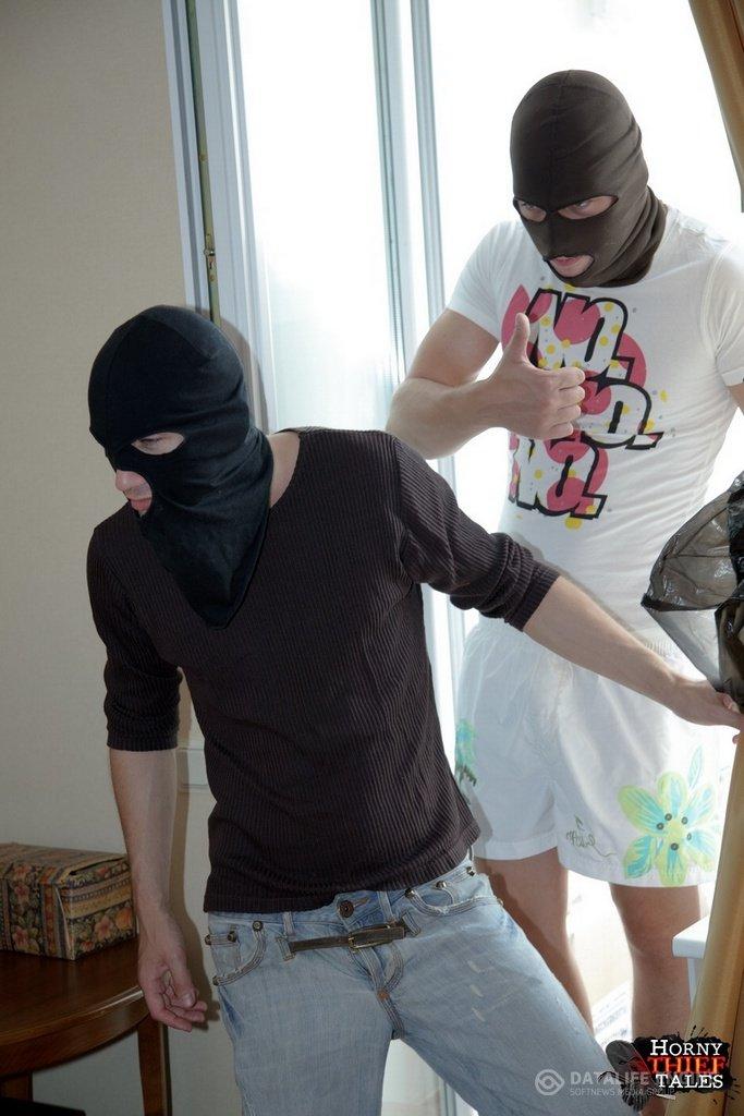 Порно парни в масках