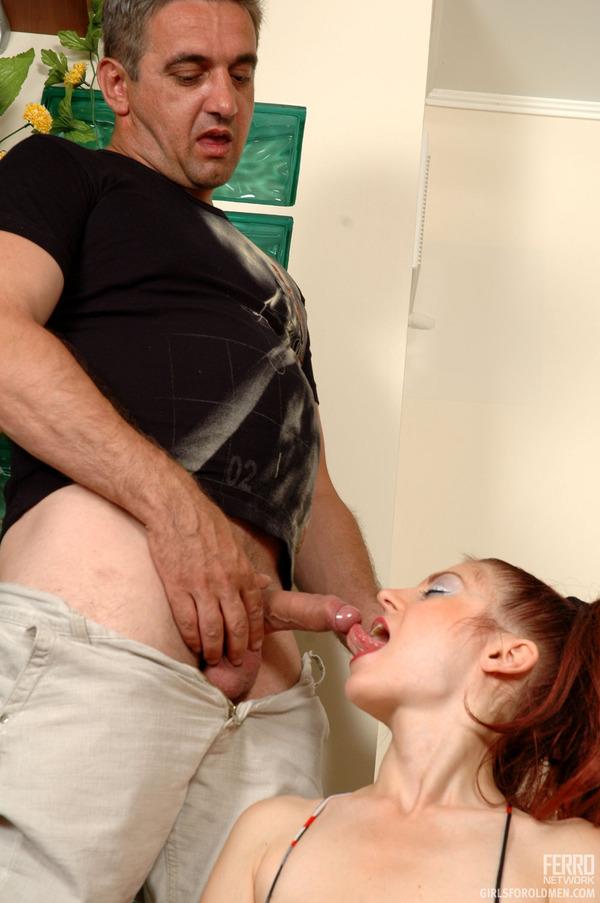 Порно малышки с отцом