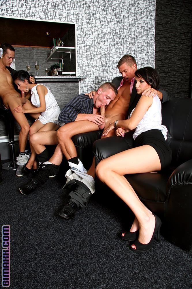 Пьяный групповой секс
