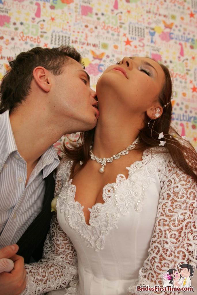 В свадебном платье порно смотреть