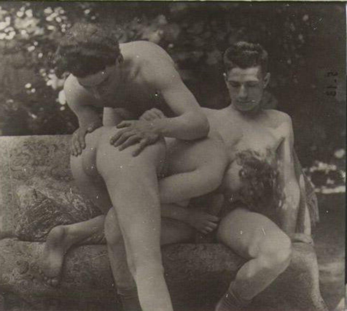 Фоток ретро эротика частные соблазнила мужа подруги
