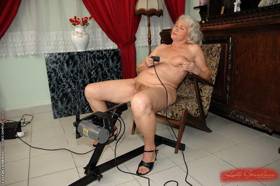 Е эротика старушки самые